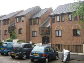 Featured To Rent Watford - £196 p/w