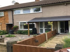Featured To Rent Borehamwood - £288 p/w