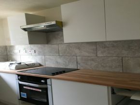 Featured To Rent Edgware - £242 p/w